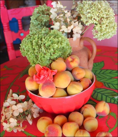 peaches and hydrangeas 2