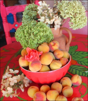 peaches and hydrangeas 2