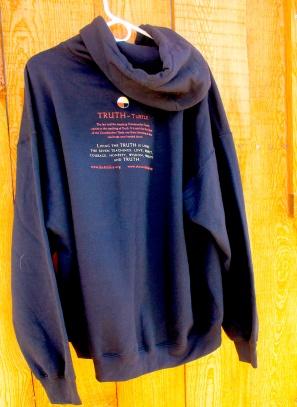 turtle-hoodie-backcabin