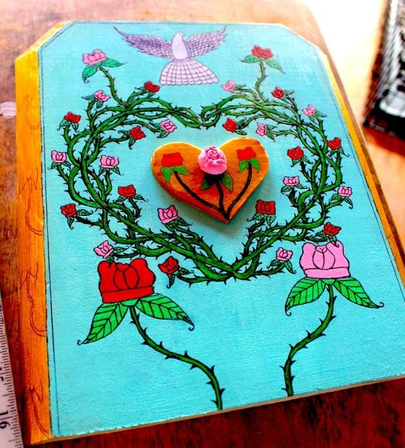 becca-rosesdove-gold-heart